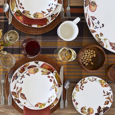 Foraged dinnerware