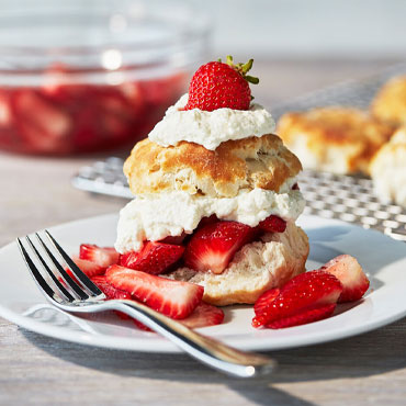 Summer Baking: Strawberry shortcakes