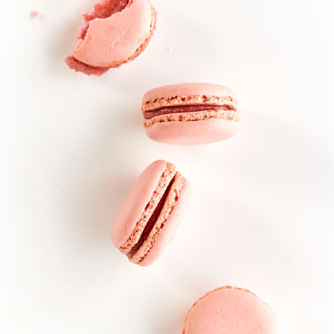 Raspberry Macarons online cooking class