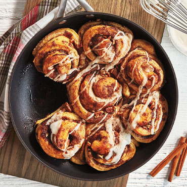 Prep Now, Eat Later: Cinnamon Rolls & Pull Apart Wreath Cooking Class