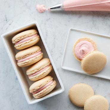Macarons: Cherry Cheesecake
