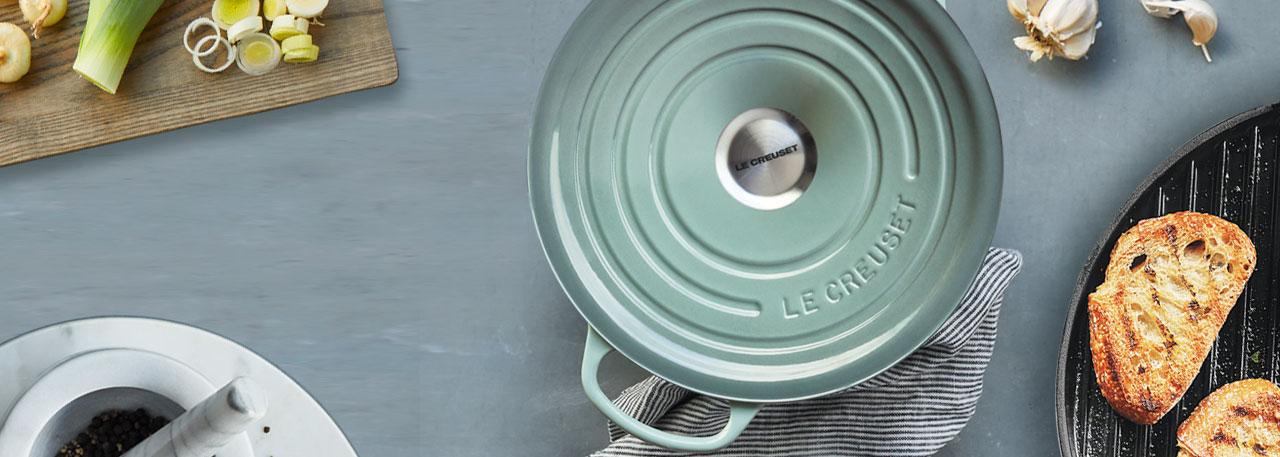 Le Creuset round cocotte in Sea Salt color