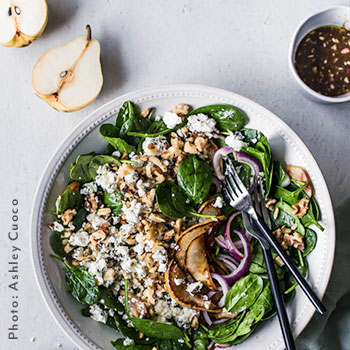 SPINACH SALAD WITH CARAMELIZED PEARS AND GOAT CHEESE