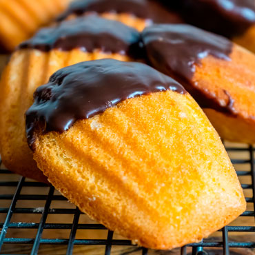 Bakery Favorites: Madeleines Cooking Class