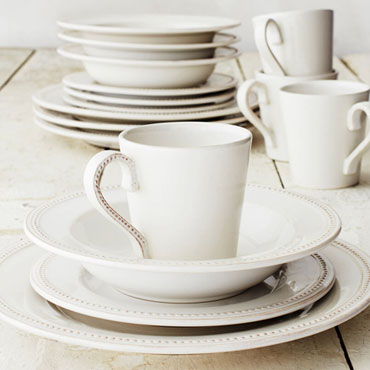 DINNERWARE SETS and dining gifts