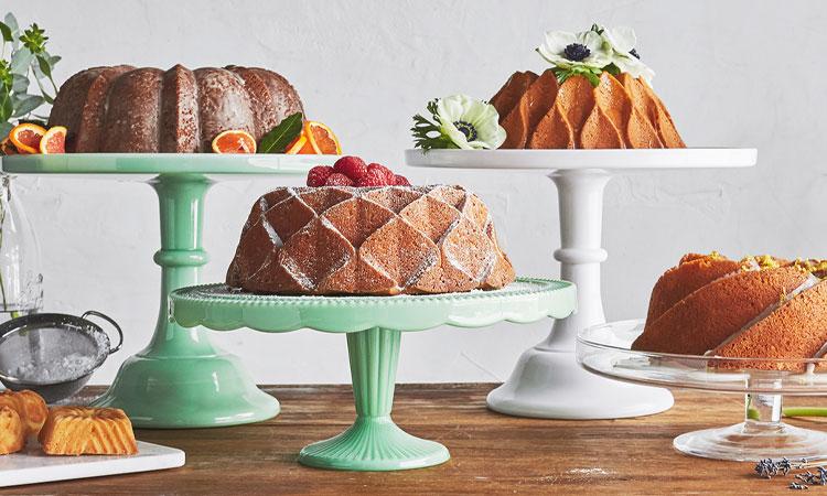 Spring Bundt cakes on cake stands