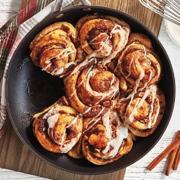 Prep Now, Eat Later: Cinnamon Rolls & Pull-Apart Wreath