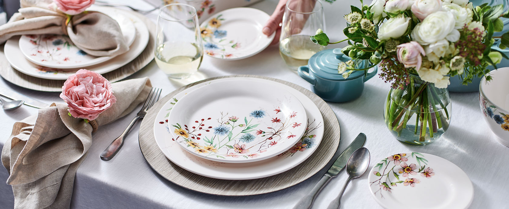 Wildflower Dinnerware table setting with spring bouquets