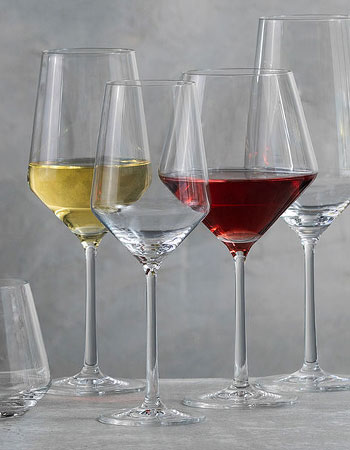 Stemware with white and red wine